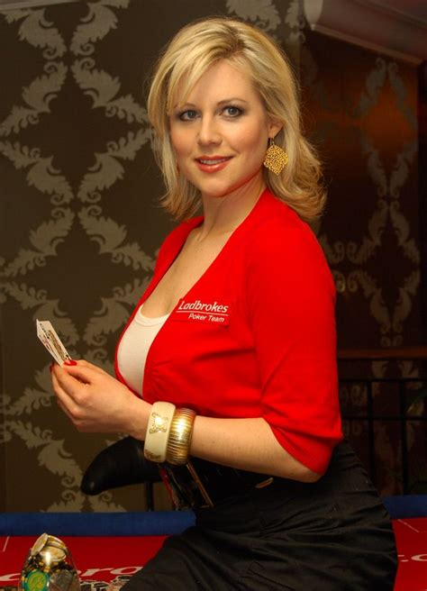 Abi Titmuss | Slithered bangs styled to frame the face and