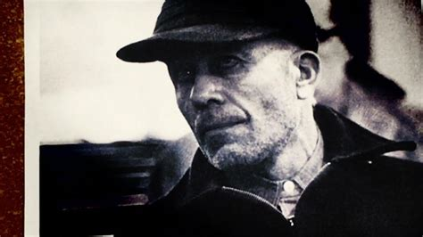 Infamous Killers: Ed Gein - Biography