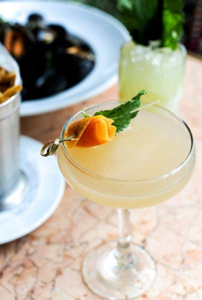 15 Primo Pear Cocktails To Toast The Fall Season