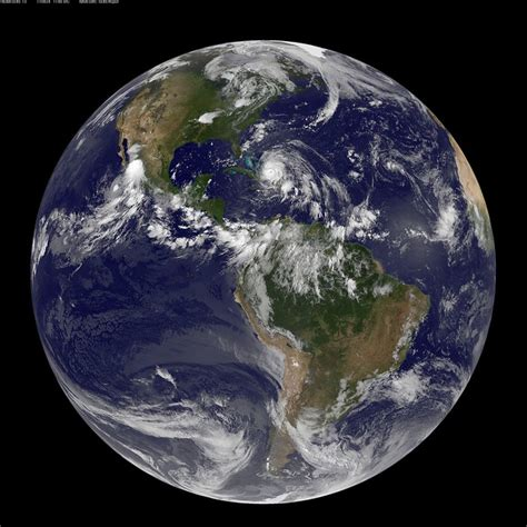 Full Disk Image of Earth Captured August 24, 2011 | Flickr