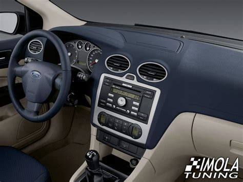 Dash Trim Kit - Ford Focus II 04-07 with manual gearbox