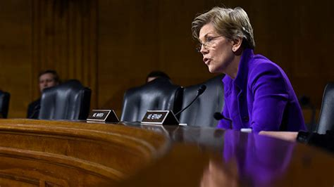 Elizabeth Warren to Obama Administration: Help Me Tackle