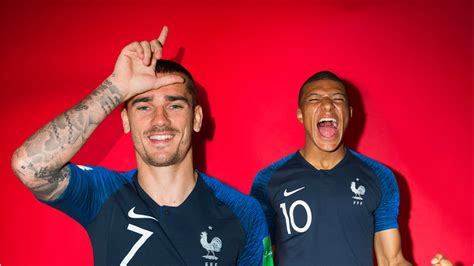 2018 FIFA World Cup™ - News - Griezmann and Mbappe reveal