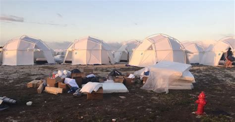 Here's What The Luxury Fyre Festival Was Really Like | The