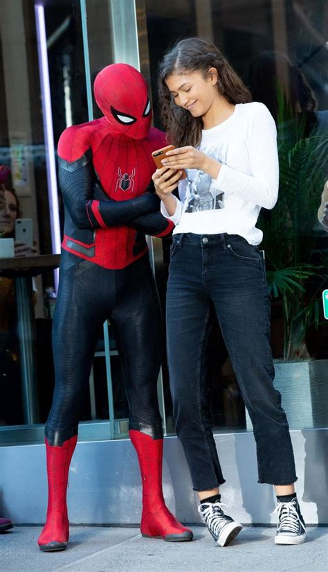 30 Epic Zendaya BTS Images From The Set Of Spider-Man Far
