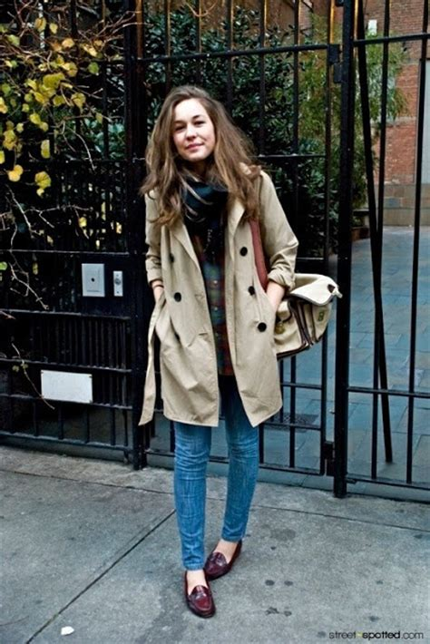 Trench Coat Center: Street style in Trench coat