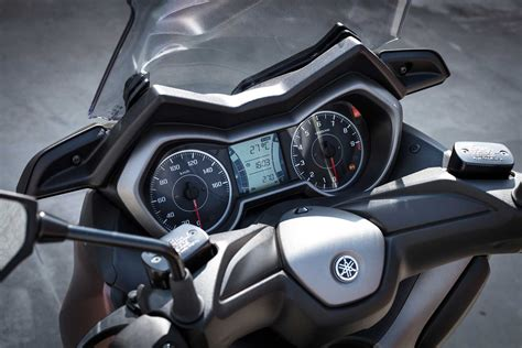 Yamaha X-MAX 300: 'A light and agile commuter' | MCN